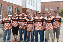 Družstvo SHC Cheb, které se účastnilo republikového šampionátu v pražských Satalicích.