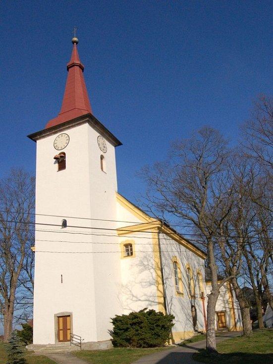 Kostel v Horních Lomanech