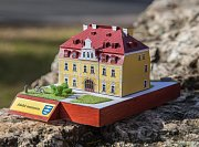 Několik ašských dominant se dočkalo papírového vydání. Zájemci si budou moct z vystřihovánek slepit modely ašské radnice, muzea, Bismarckovy rozhledny na vrchu Háj, věž Neubergu v Podhradí a areál minerálního pramene v Dolních Pasekách.
