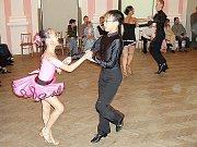 Saskia Vaňousová a Vladimír Hána junior, držitelé nejvyšší taneční třídy B, z chebského tanečního klubu