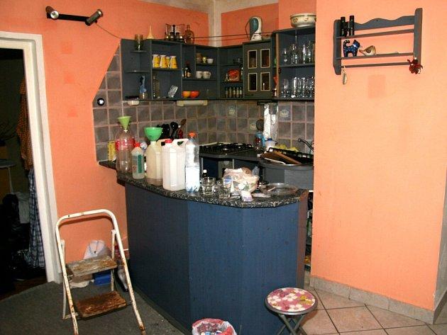 Policisté v Chebu odhalili výrobnu pervitinu