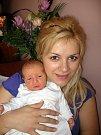 Miriam a Antonínu Pešulovým z Teplé se 25. června v 10.35 hod. narodil ve FN v Plzni prvorozený syn Mareček (3,45 kg/50 cm). Novopečený tatínek má rád hokej a proto by si přál, aby Mareček byl hokejistou.