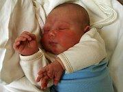 NATÁLIE MARKLOVÁ přišla na svět v naděli 28. června v 5.30 hodin. Vážila krásných 3990 gramů a měřila 51 centimetrů. Čtyřletý Kubík a tatínek Patrik se těší na návrat maminky Jany a malé Natálky domů do Chebu.