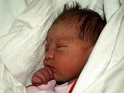 ELIŠKA BÍLÁ se narodila ve čtvrtek 17. prosince ve čtyři hodiny ráno. Vážila 3200 gramů a měřila 49 centimetrů. Doma v Hranicích se těší na maminku Danu a malou Elišku sedmiletý Jiřík, pětiletá Šárka a tatínek Jiří.