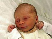 ELIŠKA KESLOVÁ přišla na svět ve středu 16. prosince ve 13.30 hodin. Při narození vážila 3070 gramů a měřila 50 centimetrů. Doma v Libé se těší čtyřletý Lukášek a tatínek Pavel na návrat maminky Lenky a malé Elišky.