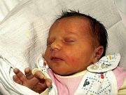 NIKOLA KROKOVÁ přišla na svět v chebské porodnici v úterý 15. prosince v 9.47 hodin. Vážila 3250 gramů a měřila 50 centimetrů. Sestřička Annemarie, maminka Michala a tatínek Martin se z malé Nikolky radují a už se těší, až budou všichni doma v Sokolově.