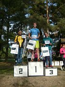 Václav Bartoš obsadil na krátké trati druhou příčku v kategorii H16. Zvítězil Adam Solomko ze Sokolova, třetí byl Jan Vecko z Nejdku.