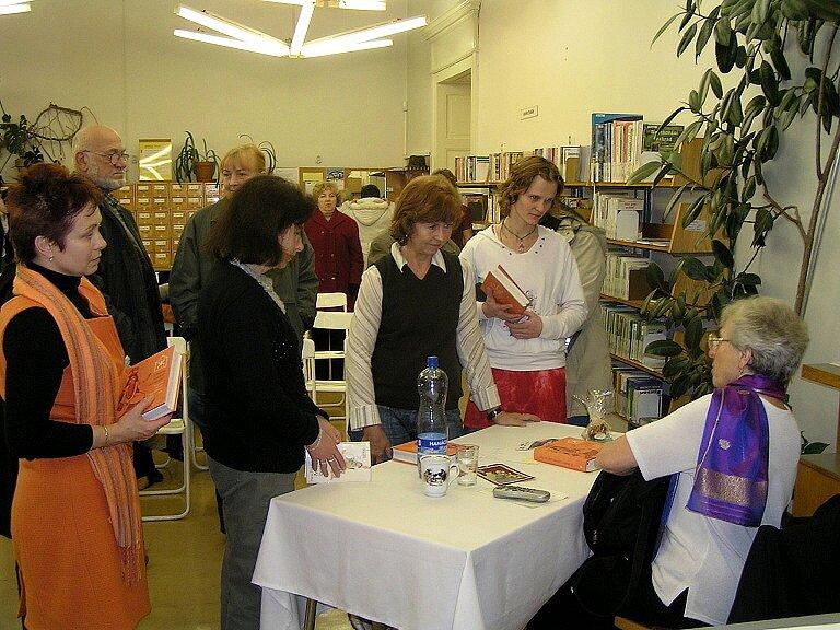 Přednáška o životě indických žen v chebské knihovně