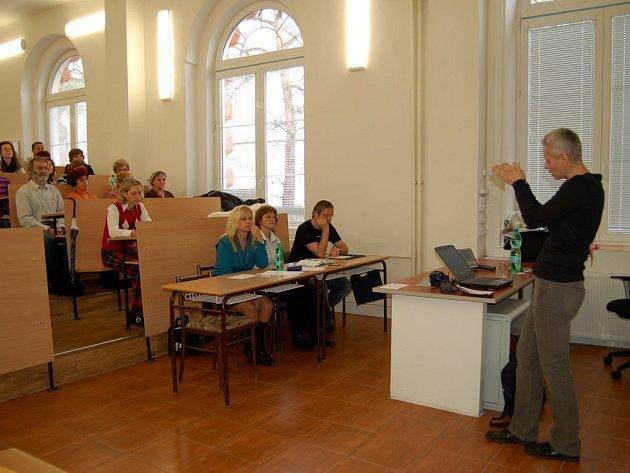 PEDAGOGICKO PSYCHOLOGICKÁ PORADNA pracuje i s kolektivy učitelů. Nedávno pro ně pořádala seminář na téma právní vědomí ve škole.
