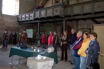 Pokladnička na veřejnou sbírku v kostele sv. Volfganga v Poustce