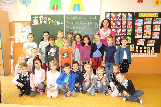 Žáci 1.A1. základní školy Cheb střídní učitelkou Michaelou Hurtovou.