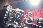 Metalisté nejen z Mariánských Lázní si ve čtvrtek večer užili jeden z mála svátků opravdu tvrdé hudby. Do mariánskolázeňského hudebního klubu Na Rampě zavítal frontman světově známé metalové skupiny Sepultura s brazilskou kapelou Musica Diablo.