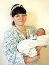 MATĚJ HYSPECKÝ bude mít v rodném listě datum narození úterý 14. února ve 20.35 hodin. Na svět přišel s váhou 3500 gramů a mírou 50 centimetrů. Doma v Chebu se z malého Matýska těší sestřička Sofinka, maminka Kateřina a tatínek Martin.