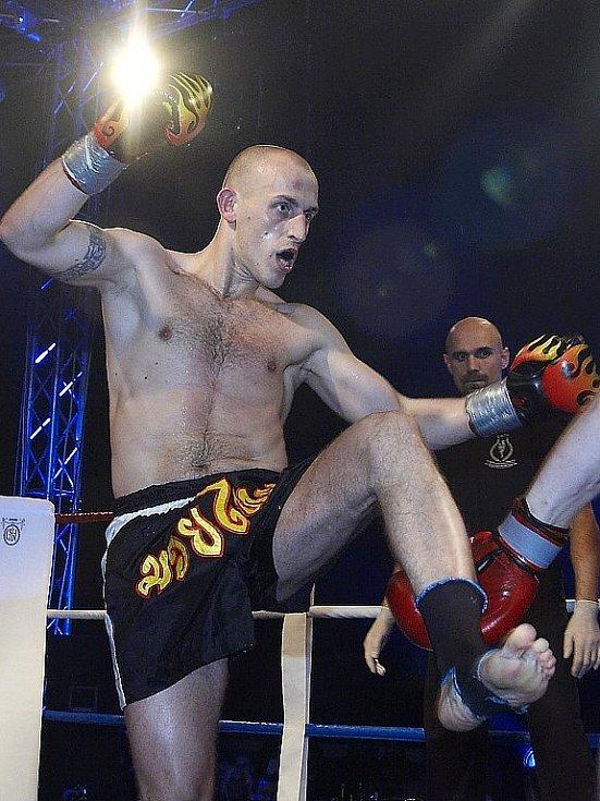 Galavečer thajského boxu v Mariánských Lázních - Dostál