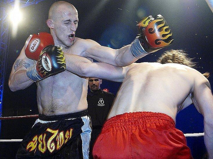 Galavečer thajského boxu v Mariánských Lázních - Dostál - Škeřík