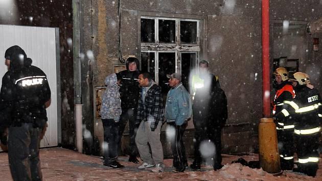 Požár televize v bytě vyděsil řadu lidí v ašské ulici Nádražní.