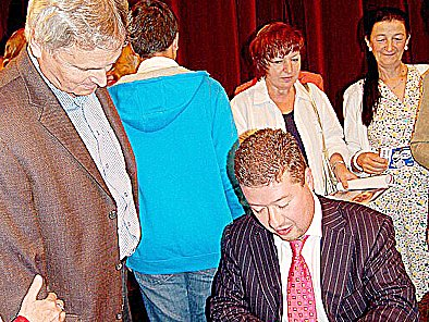 Tomio Okamura pobaví publikum v Chodově.