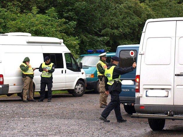 CHEBŠTÍ CIZINEČTÍ policisté často spolupracují se svými německými kolegy.