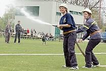 Dívky ze skalenského hasičského družstva si na poslední soutěži vedly velmi dobře.