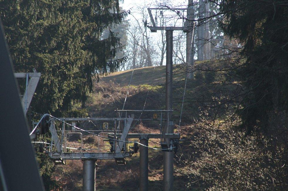 Nejstarší kabinková lanovka v Česku mění barvu