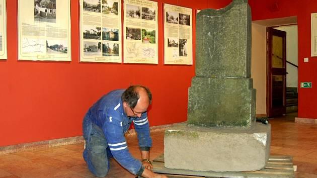 Příprava nové expozice v chebském muzeu