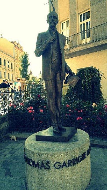 Socha T.G. Masaryka v Karlových Varech.