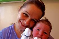 ONDŘEJ MAŠEK se narodil ve čtvrtek 12. února ve 2.30 hodin. Na svět přišel s krásnou váhou 3440 gramů a mírou 50 centimetrů. V Tršnicích se na návrat maminky Blanky a malého Ondráška těší dvouletý Davídek a tatínek František.