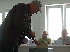 Do komunálních voleb chybí ještě čtrnáct dní a všichni kandidáti už vzdychají.