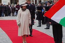 Přípravy na uvítací ceremoniál summitu prezidentů visegrádské čtyřky v Karlových Varech.