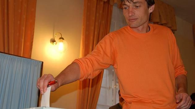 Radní Radek Novák. Zastupitelem je teprve od podzimu 2006, přesto se už tehdy stal radním.