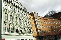 Bývalé policejní budovy v ulici I. P. Pavlova.