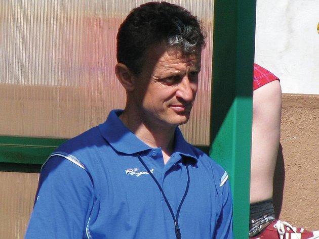Trenér Stanislav Purkart na lavičce Baníku Sokolov.
