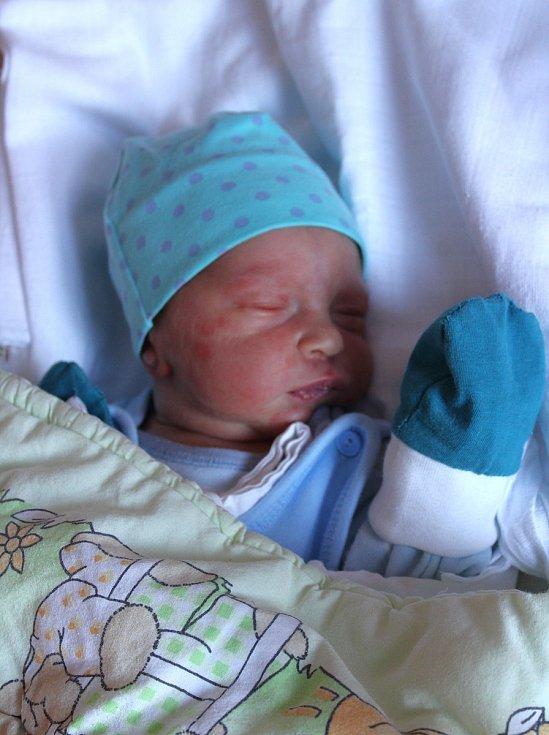 Charlie Kopecký z Erpužic se narodil v plzeňské porodnici na Lochotíně 8. září ve 4:43 hodin (3030 g, 50 cm). Rodiče Michelle a Jiří znali pohlaví svého prvorozeného miminka předem.