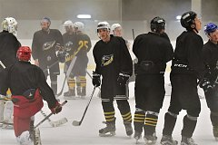 Hokejisté Baníku vyjeli netradičně brzy na led