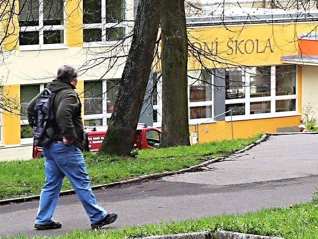 PŘÍMĚŘÍ. Do prvních tříd nastoupí žáci na Základní škole J. A. Komenského bez problémů a v klidu. Situace se zklidnila