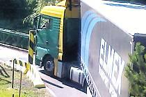 PROBLÉMY s kamiony v Šemnici nekončí, potvrzují snímky.