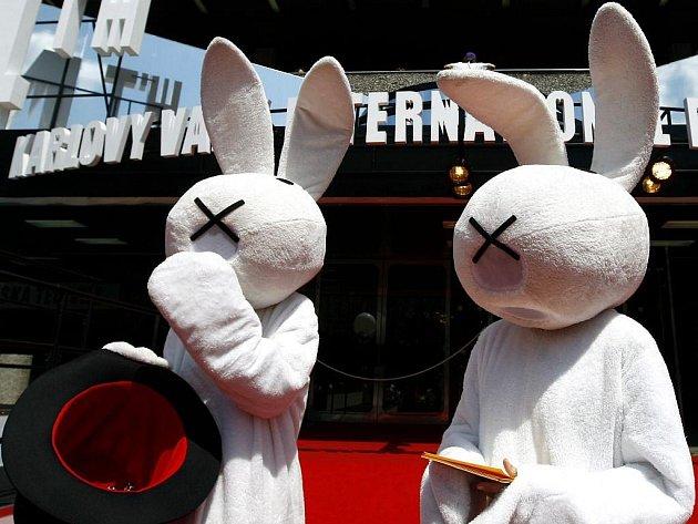 Králíci v klobouku Bob a Bobek na 44. Mezinárodním filmovém festivalu.