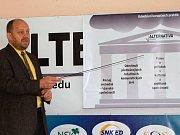 Graf výsledků senátních voleb - Tachov a Cheb