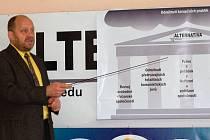 Jiří Kotek, manažer Alternativy, představil program sdružení.