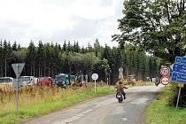 V Bošově se před časem s velkou slávou otevírala výstavba úseku silnice R6. Nyní je však tato stavba v ohrožení.