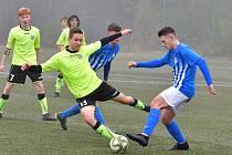 Dorostenci Ostrova se na vítězství natrápili, když udolali FC Cheb v poměru 4:3.