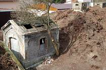 Prostor staré vodárny v Tuhnicích je nyní k nepoznání. Zmizel odtud nepořádek i divoce rostoucí vegetace.