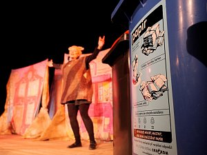 Divadelní představení O Balynce učí děti recyklovat a třídit odpady