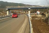 Stavba obchvatu Hroznětína začala loni na jaře a hotová má být letos na podzim.