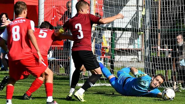 FC Slavia Karlovy Vary.