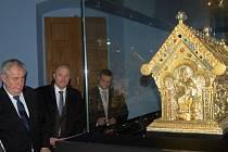Prezident Miloš Zeman při prohlídce hradu a zámku v Bečově nad Teplou.