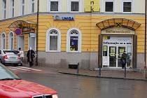 Díky duchapřítomnosti pracovnice banky odešel od přepážky v pátek lupič s prázdnou. (Ilustrační foto.)