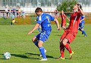 Vítězem krajského poháru mužů KKFS se stali po výhře 1:0, fotbalisté Nového Sedla (v červeném), kteří udolali nejdecký FK (v modrém).