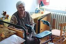 MAJÍ MÁLO PENĚZ. Státní příspěvky na péči, které dnes potřební lidé dostávají, jsou příliš nízké na to, aby z nich šlo zaplatit odborníkům.