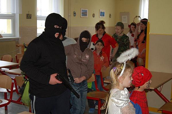 Dětský karneval v toužimské škole.